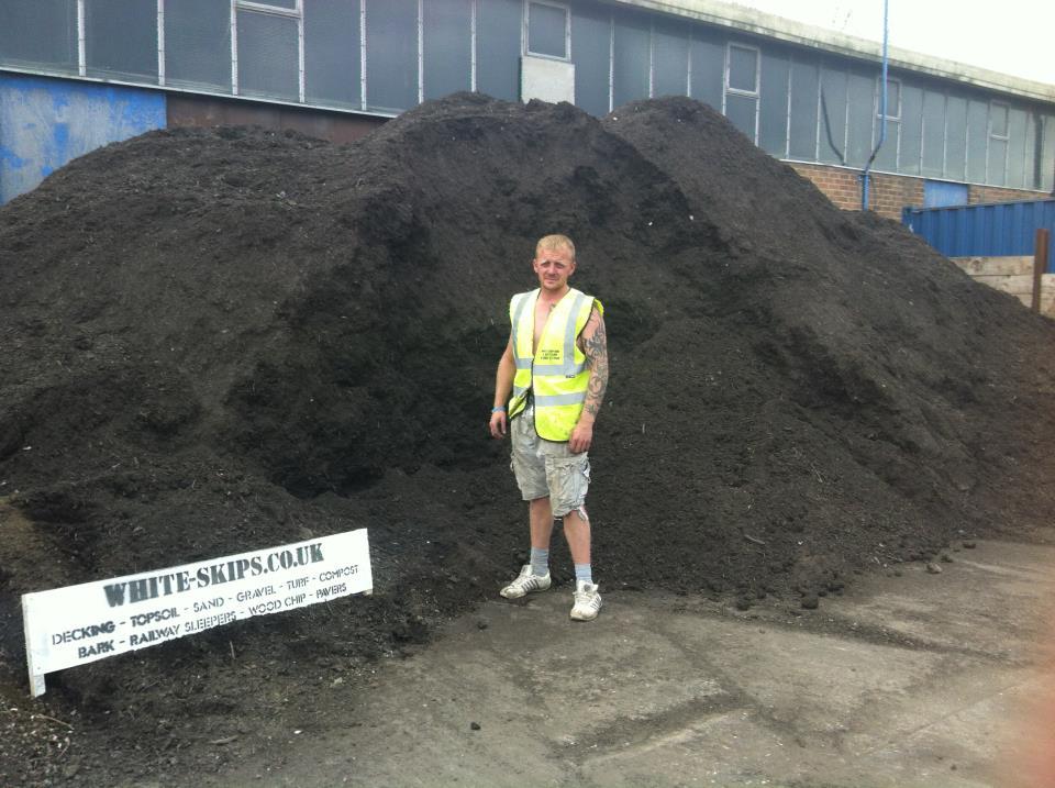 Ton Of Topsoil >> Topsoil Supplier Hull